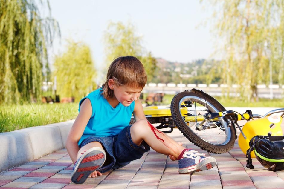 Помощь ребенку при травмировании мягких тканей