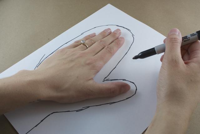 Рисуем выкройку на бумаге