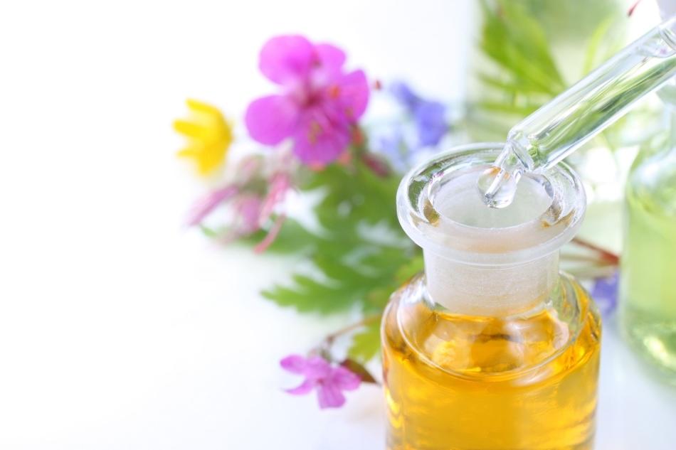 Обработка язв маслом при стоматите