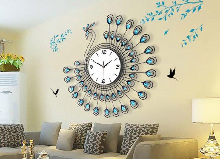Интересные часы на стену