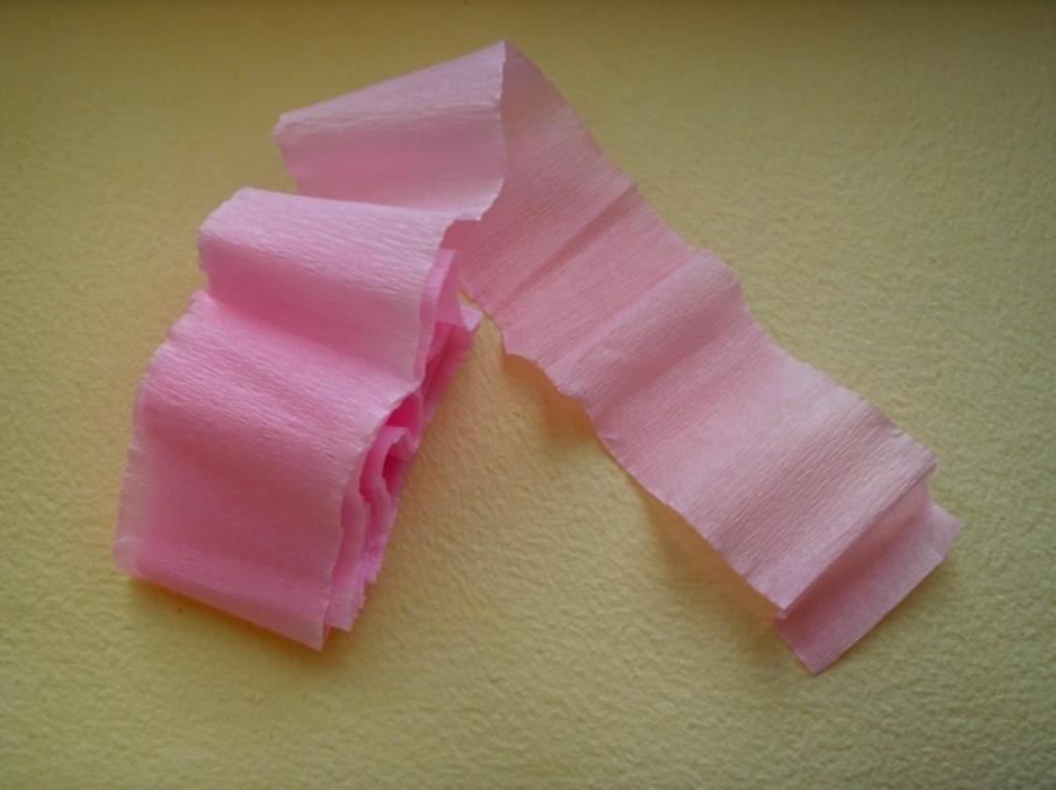 634362adb384728f8ae7ca944516fb1b Как сделать розу из бумаги своими руками