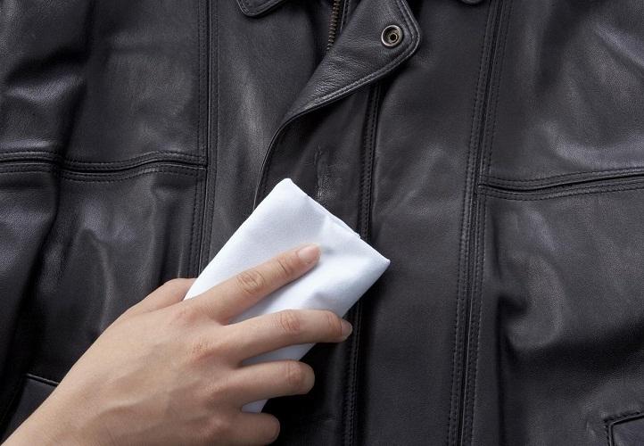 Перед покраской куртку нужно обязательно почистить