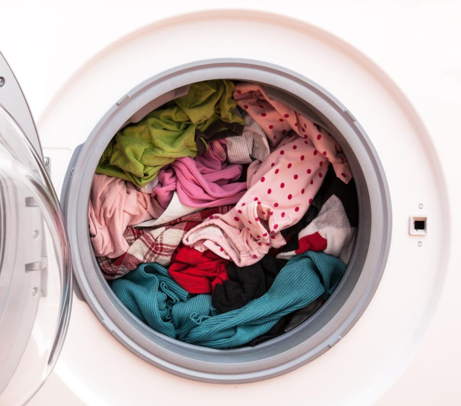 С плохим настроением придется бороться тому, кто во сне увидел грязную одежду.
