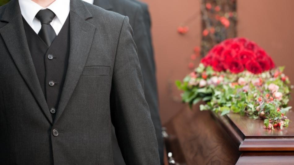К чему приснились похороны незнакомого?