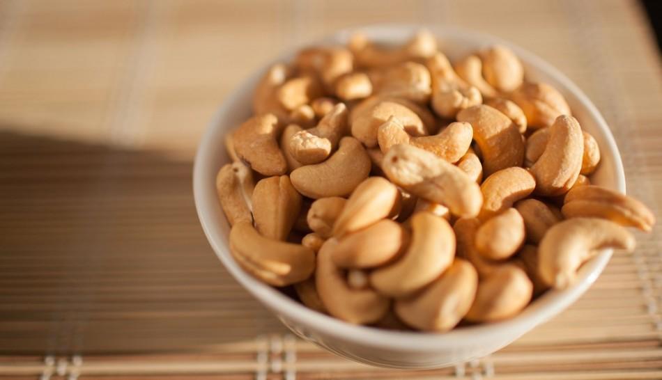 Кешью - это орех, в котором очень много масла