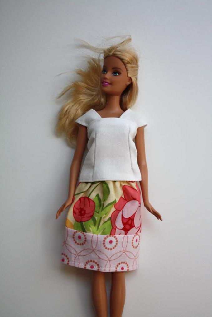 yubka-dlya-barbi Как сшить одежду для куклы Барби и Монстер Хай своими руками: выкройки, схемы, фото. Как сшить карнавальный костюм для куклы Барби и Монстер Хай своими руками?