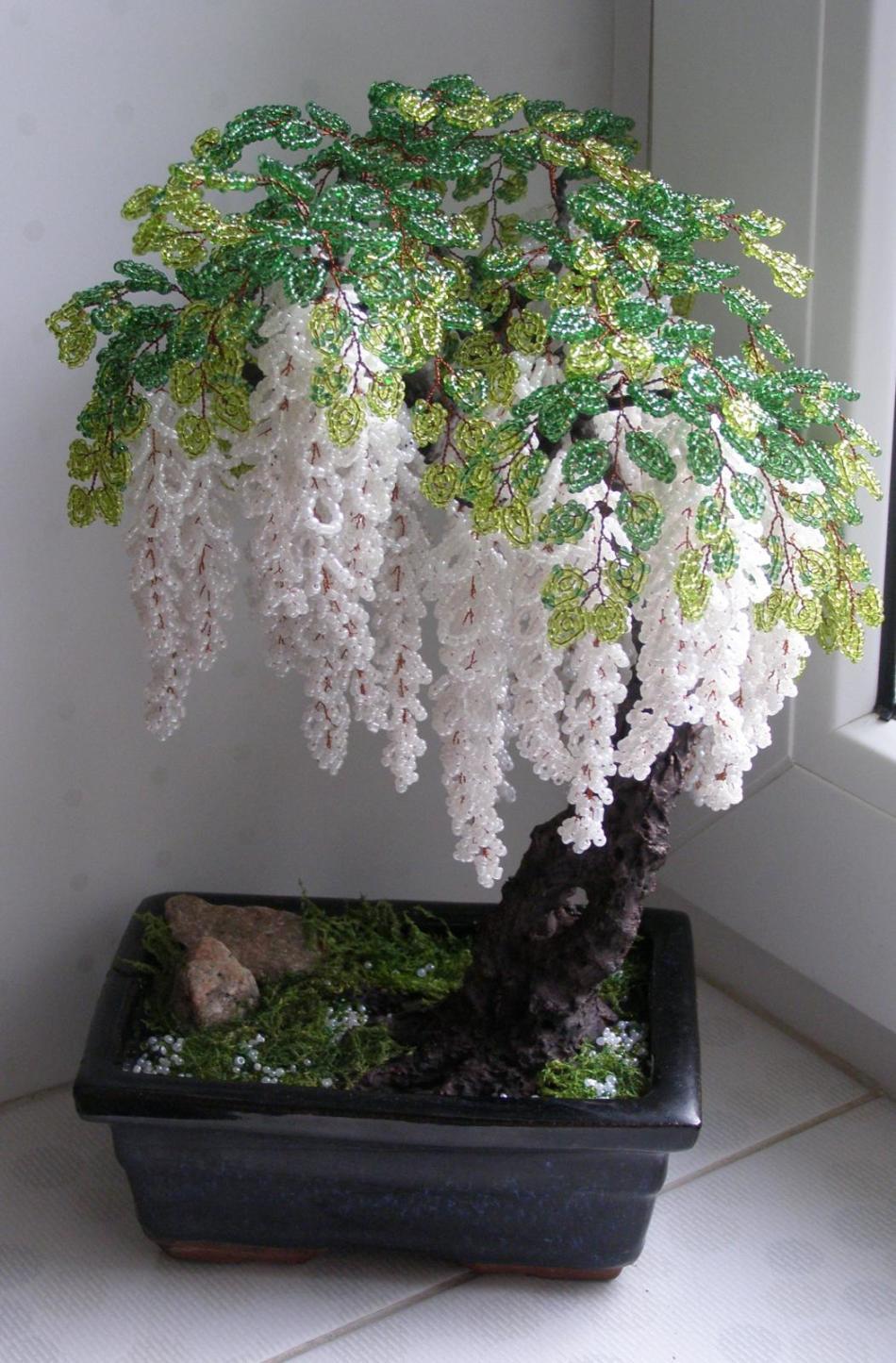 gliciniya-iz-bisera Ива с тонкими листочками из бисера