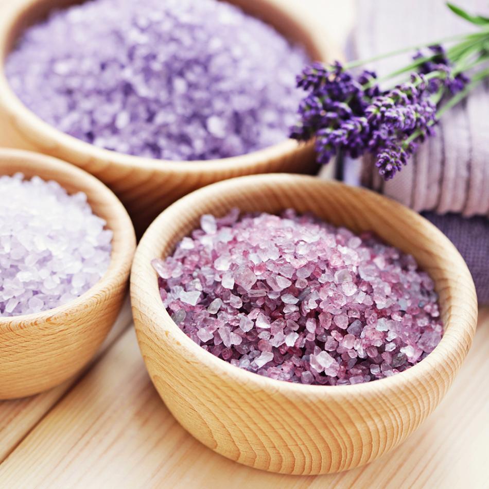 В соли для ванн часто добавляют экстракты, а они могут вызвать аллергическую реакцию