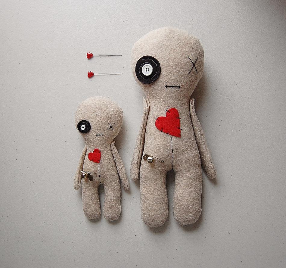 Куколка вуду с сердечком - оригинальный подарок на день влюбленных