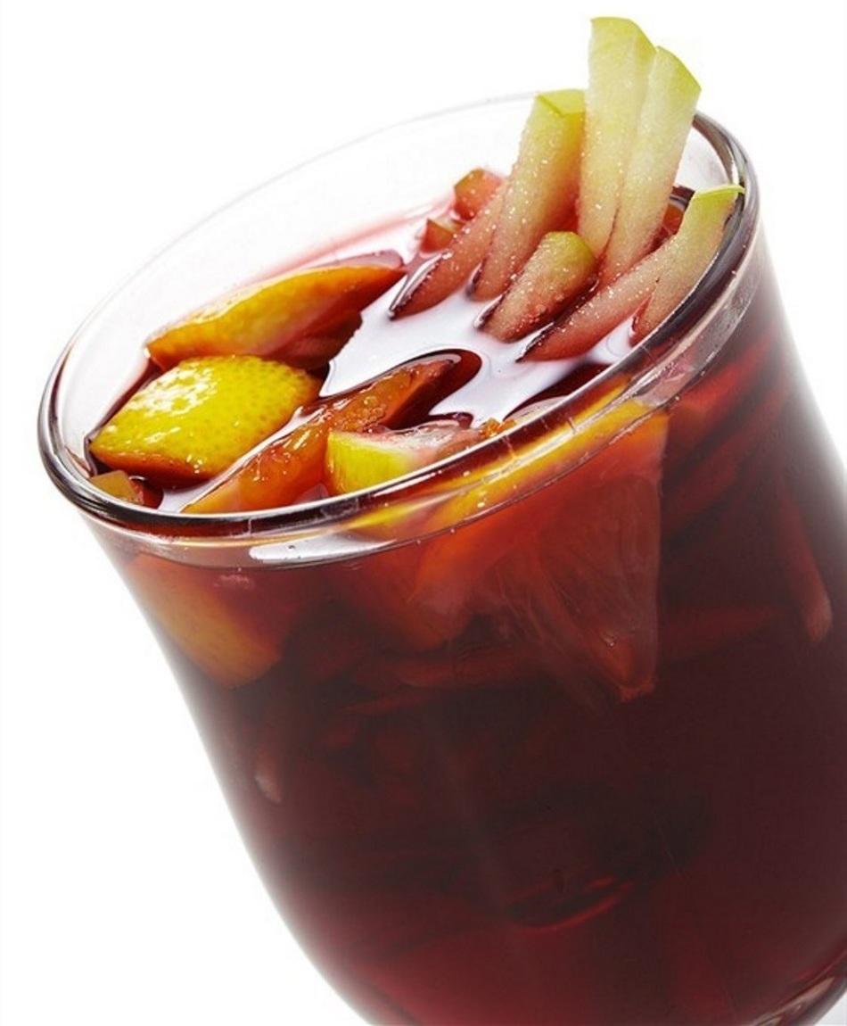 Алкогольный глинтвейн с яблоком