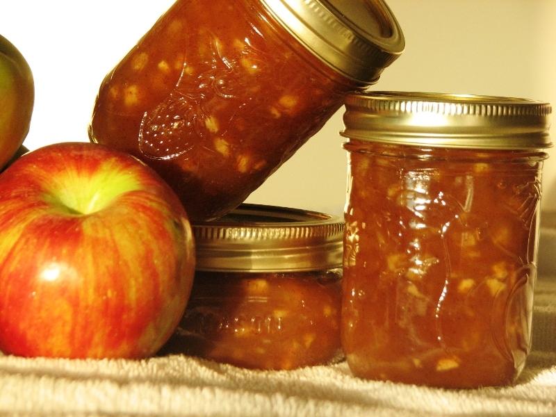 Яблочно-сливовое варенье не оставит равнодушными ваших домочадцев