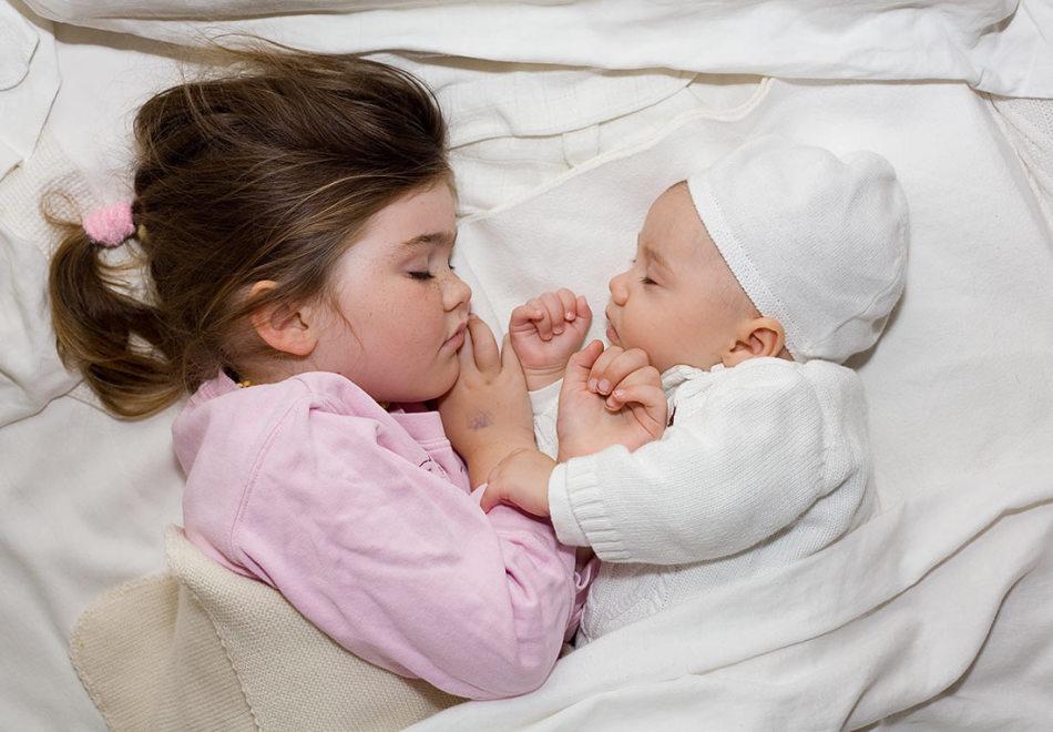 Как успокоить малыша травами и отварами?