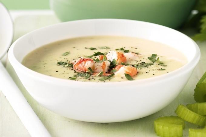 6c3189813b32b41335e3ef34728889d8 Рыбный суп: вкусные рецепты из хека, семги, скумбрии, форели, сайры. Рецепт вкусного рыбного супа с томатами, пшеном, сливками, плавленным сыром