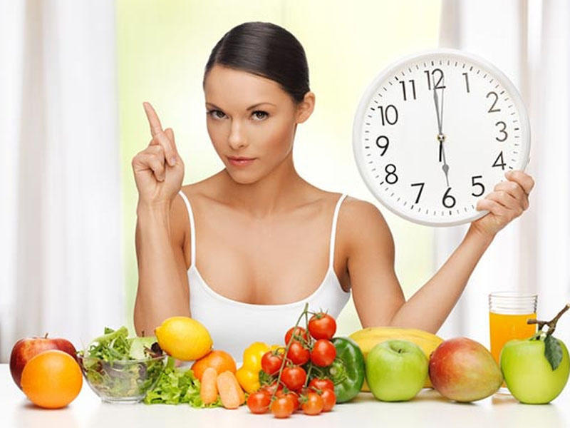 Большую роль играет время приема пищи
