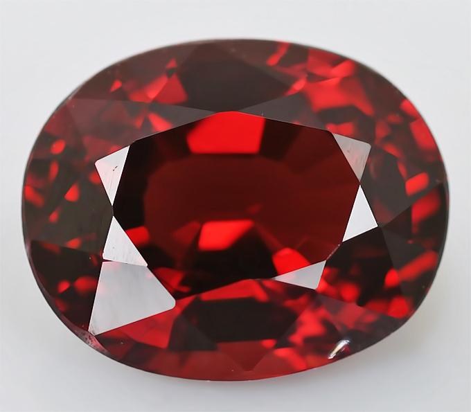 Красная шпинель