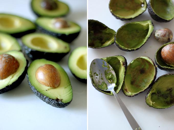 Как очистить авокадо от косточки