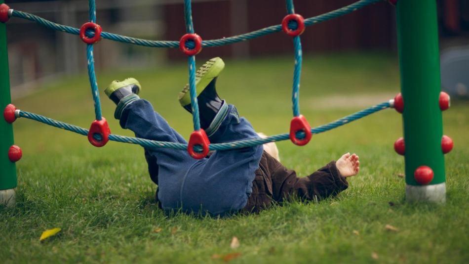 Как помочь ребенку при ушибах?