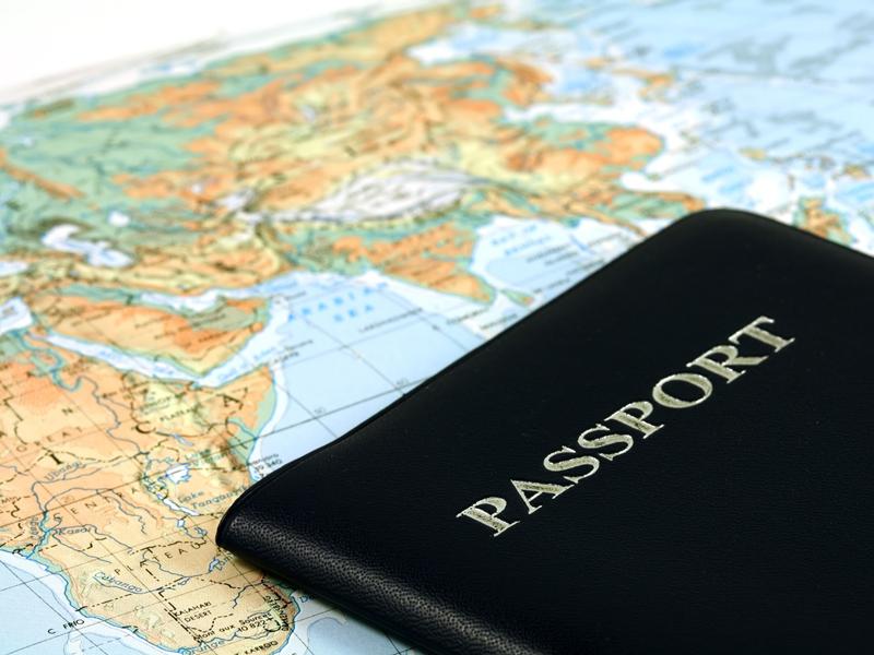 Не верьте туроператорам, обещающим сделать паспорт дешевле, чем того требует закон