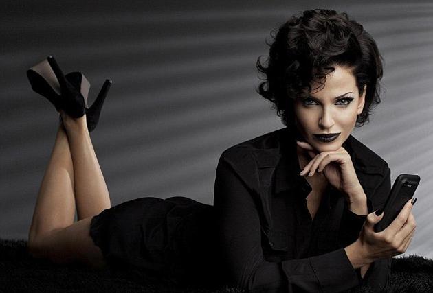 Новый имидж, прическа и макияж могут быть признаками женской измены