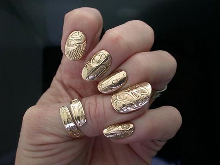 Как клеить золотые наклейки?
