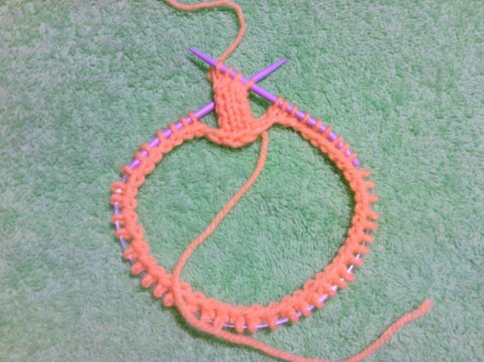 Вязание узора на круговых спицах