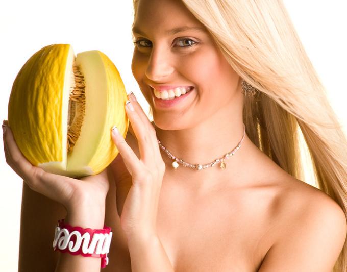 В чем польза дыни для девушек?