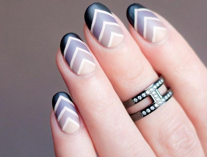 Летние геометрические рисунки и узоры на ногтях