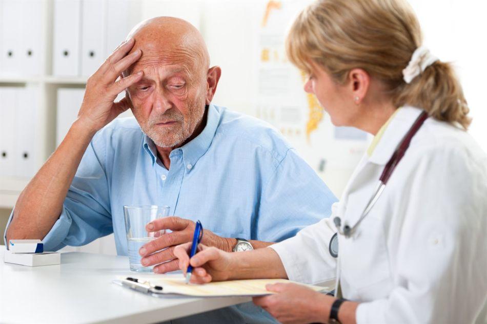 Своевременное обращение к врачу необходимо при первых симптомах заболевания