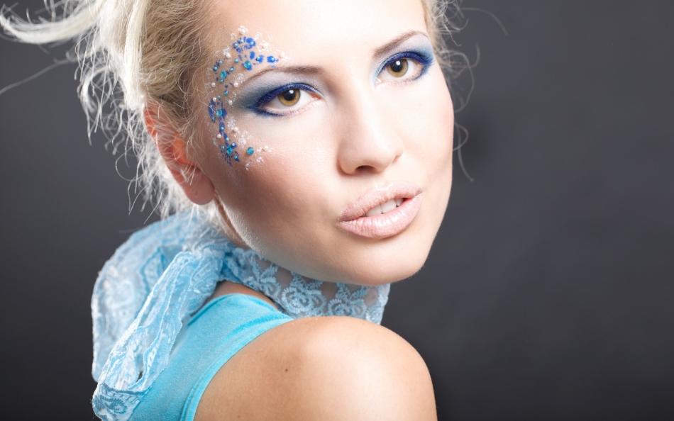 Голубой макияж глаз для свадьбы