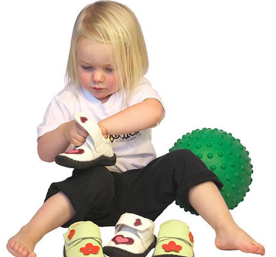 Советы по выбору обуви малышам