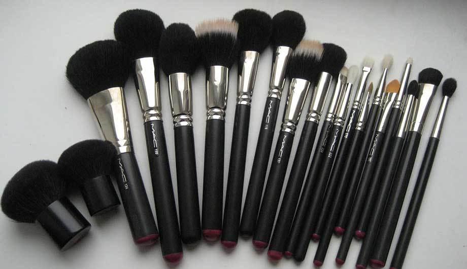 Набор кистей для макияжа - подарок-мечта для многих девушек