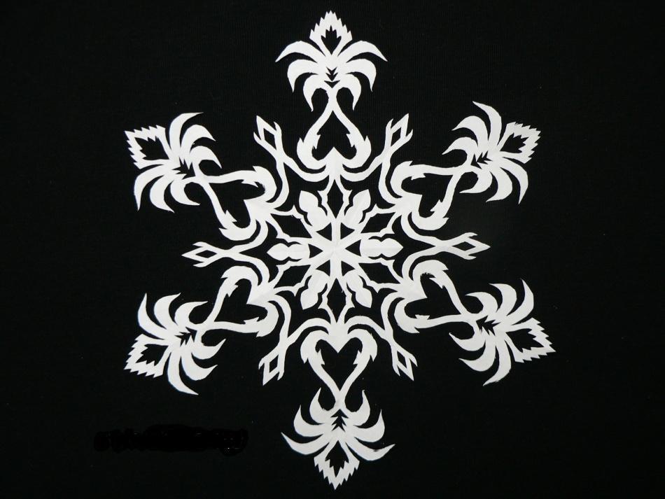 krasivie-snezhinki-iz-bumagi-foto-3 Как крючком связать красивую снежинку? Снежинки крючком: узор, схемы с описанием для начинающих