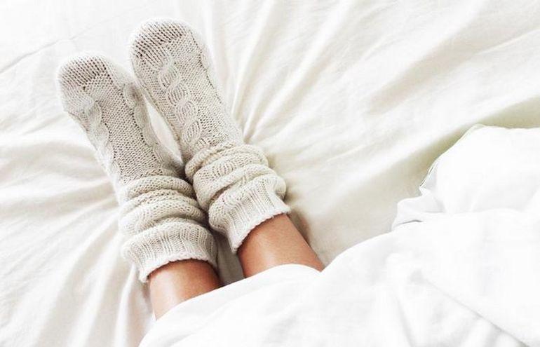 Даже во сне и под одеялом