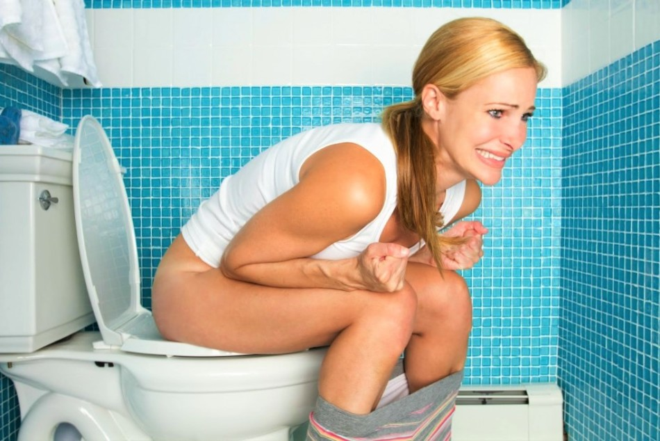 Запор на ранних сроках беременности может возникнуть из-за гормональной перестройки в организме женщины.