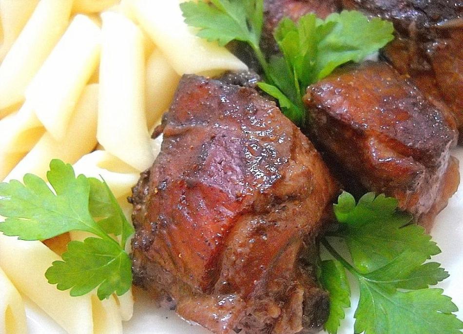 Вот так будет выглядеть куриное мясо в таком маринаде из вина