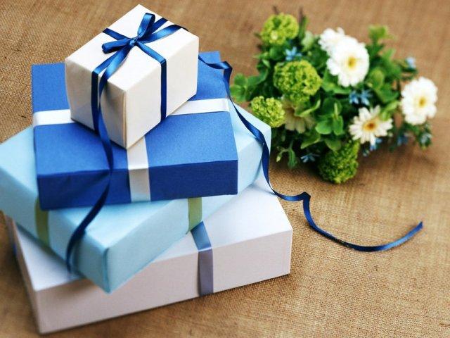 8350ccfc5af4 Что подарить на свадьбу? Оригинальные, прикольные и необычные подарки в  день свадьбы молодоженам от друзей: лучшие идеи