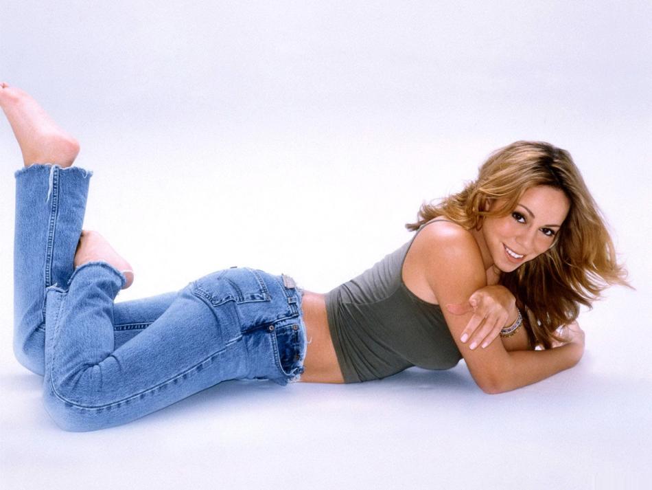 Растянуть джинсы в бедрах можно, занявшись физическими упражнениями
