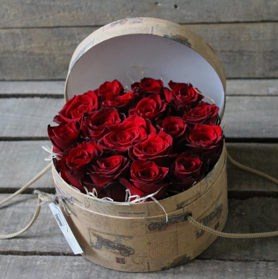 картинка букет роз в коробочке ведь