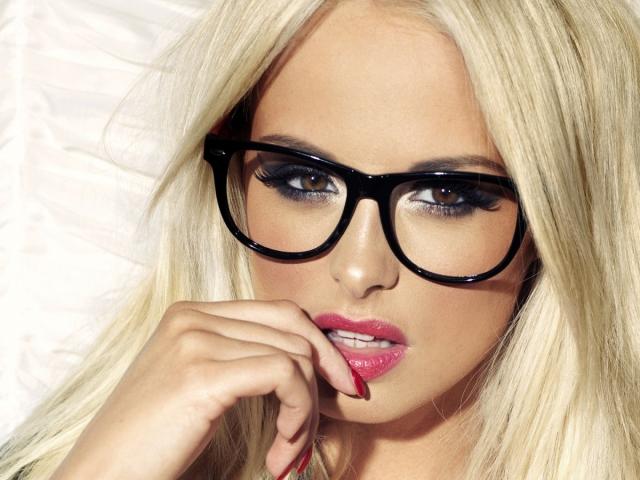Как подобрать очки по форме лица  Лучшие советы как выбрать оправу для очков  женщине, мужчине, ребенку 11131c21aa1