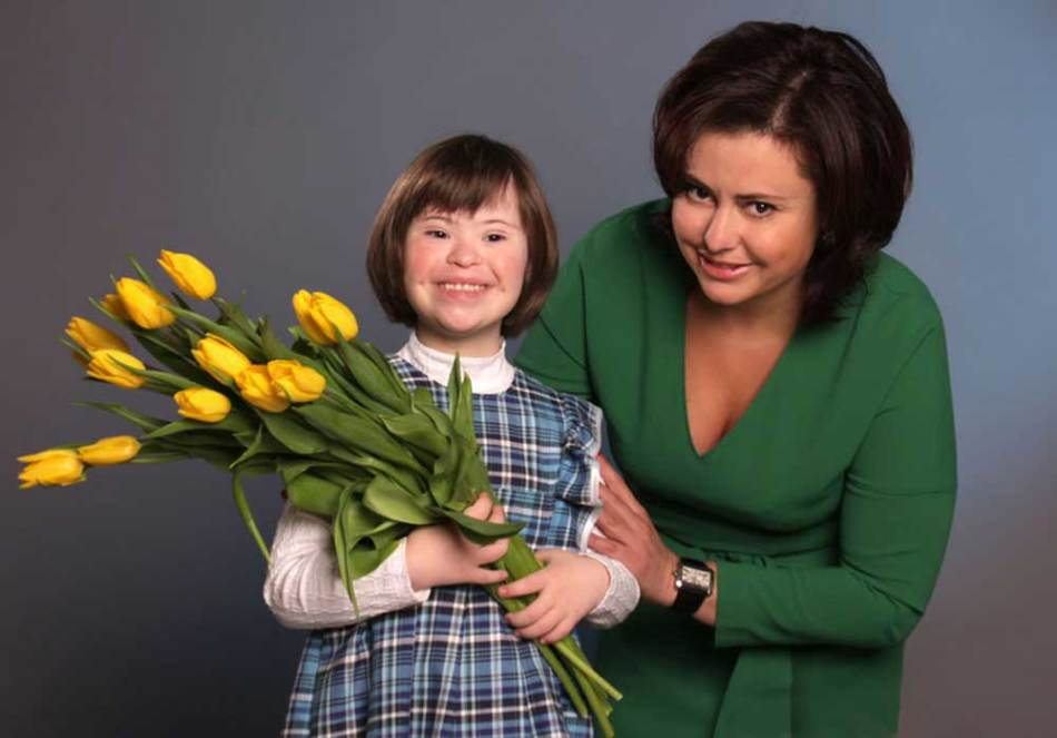 Вероятность рождения дауна зависит от возраста матери и бабушки ребенка