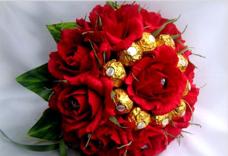 8584f6794131515b4df026bb37811267 Как сделать розу из бумаги своими руками