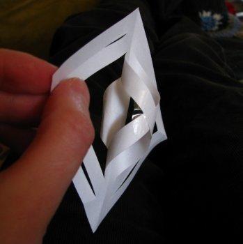 86259a5698266f3f40208b09f6291f35 Снежинки из бумаги на Новый год своими руками, мастер-классы, схемы