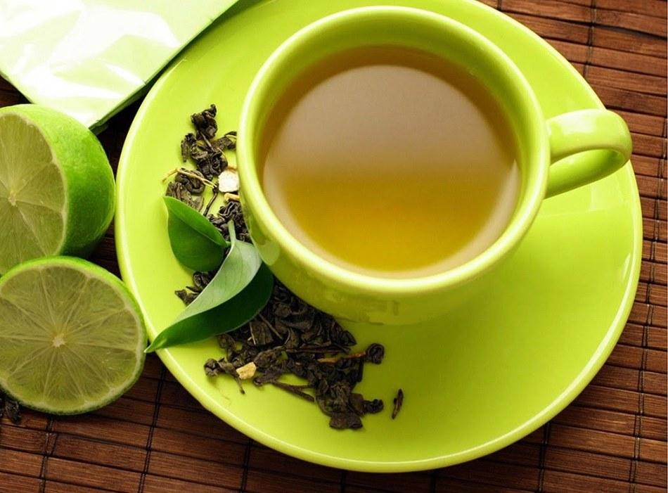 Чашка зеленого чая для восстановления сил