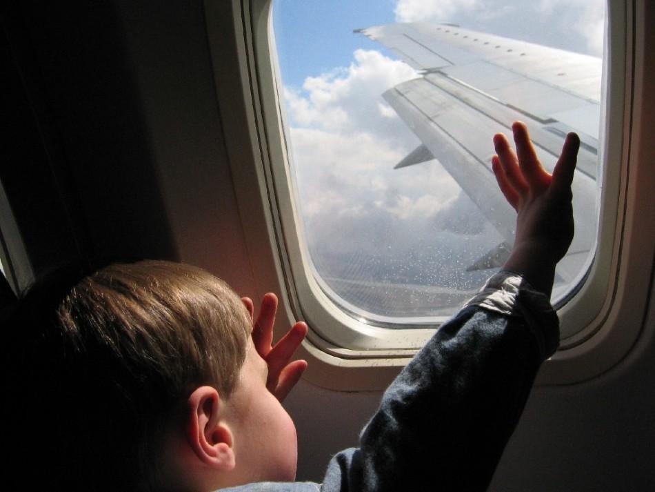 Если ребенок выезжает сроком более трех месяцев, органы опеки и попечительства обязаны заверить данное согласие на вывоз ребенка
