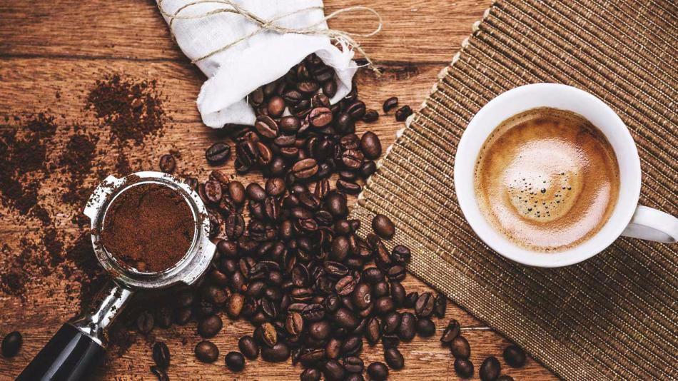 Разные символы и рисунки на кофейной гуще