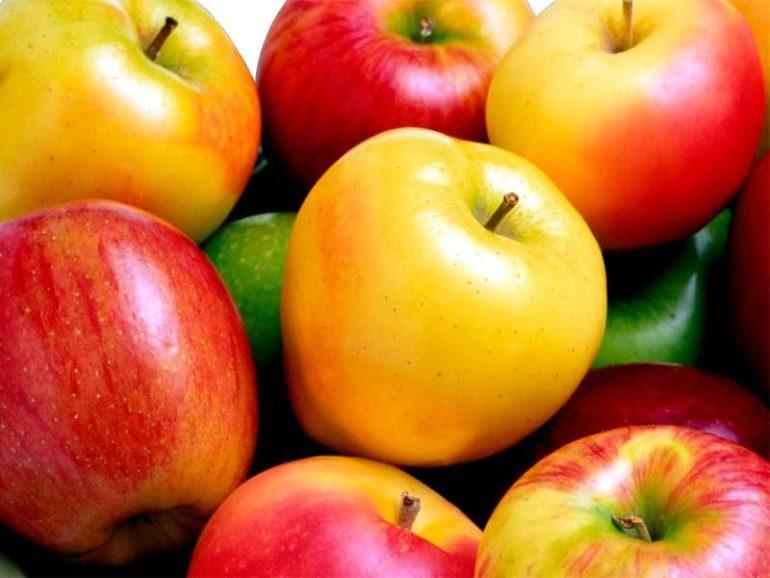 Когда и как можно есть яблоки?