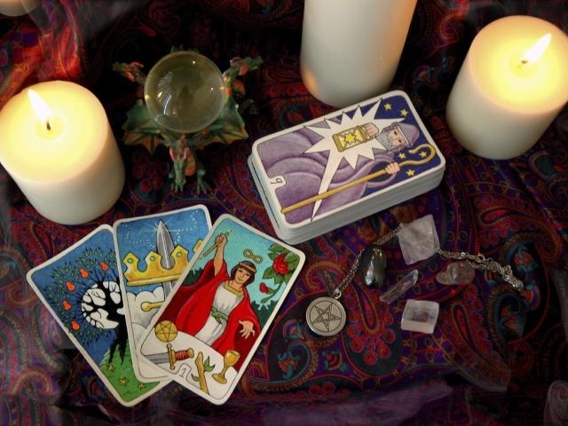 Карты Таро: способы гаданий на любовь, отношения, будущее. 3 простых  расклада на ситуацию сечас, расклад «Кельтский крест»: толкование, значение