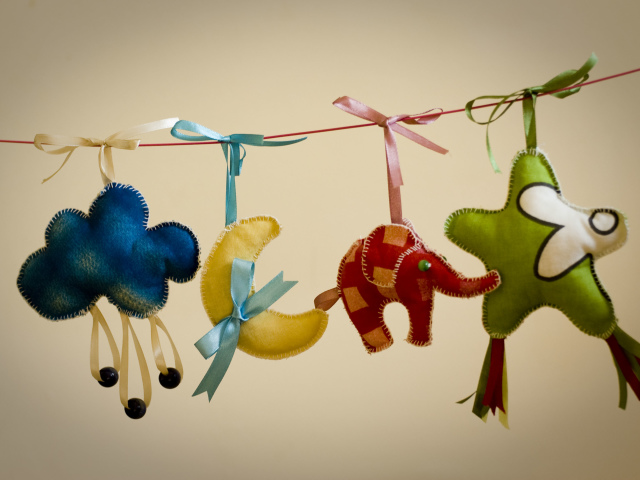 10 простых идей игрушек своими руками в домашних условиях. Игрушки для детей своими руками из подручных средств