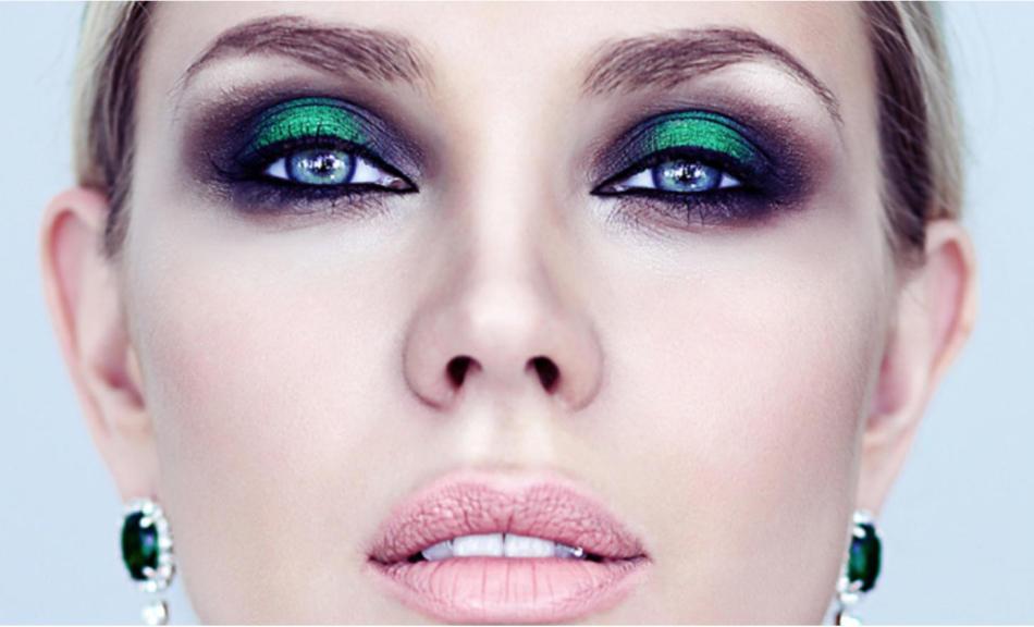 Яркий вечерний макияж для зелёных глаз