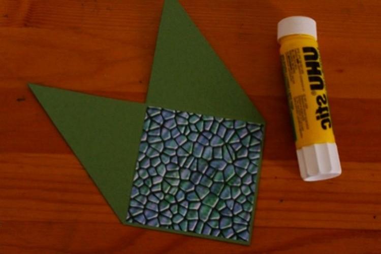 zagotovka-iz-cvetnoi-bumagi-dlya-zakladki-origami Закладки уголки для книг: забавные животные